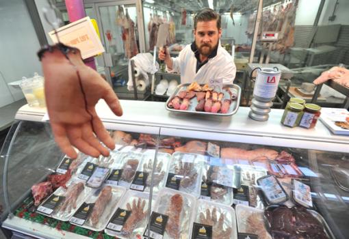 resident-evil-6-opens-human-flesh-butcher-shop
